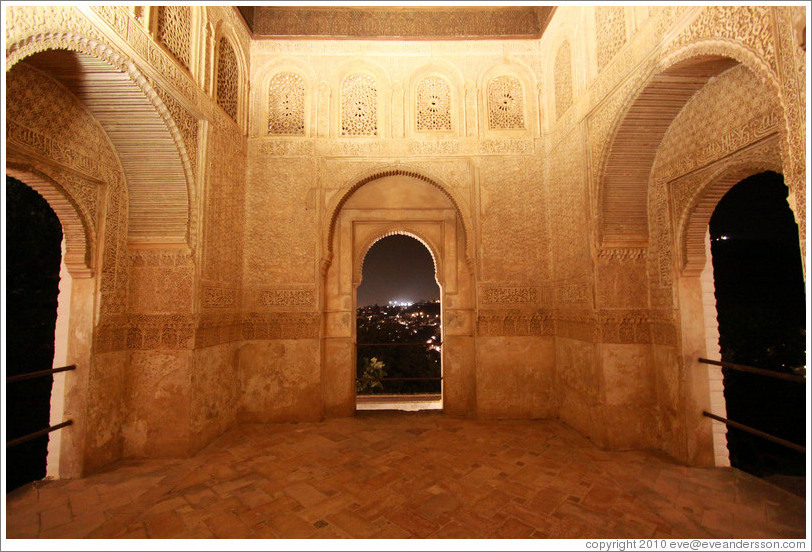 Torre de Ismail (Tower of Ismail) at night, Palacio de Generalife.