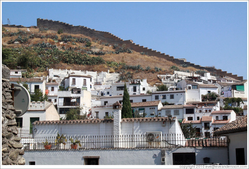 Sacromonte and a muralla, an 8th century wall that protected the city, viewed from Carril de San Agust�n, Albaic�n.