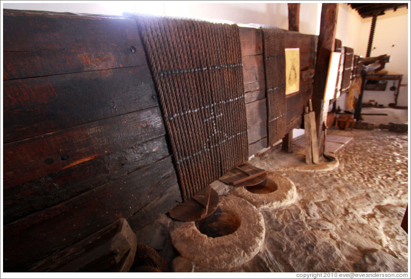 15th century Moorish olive oil mill, used by the town of Nig?elas until 1920.
