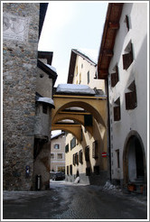 Arches, the village of Zuoz.