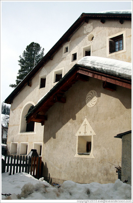 Romansh building, with typical patterns.  Zuoz.