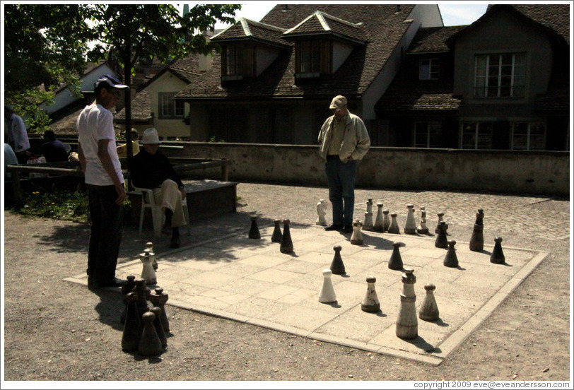Chess players.  Lindenhof.  Altstadt (Old Town).