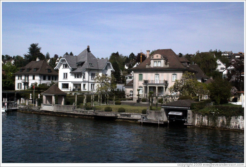 Houses on Z?richsee (Lake Z?rich).