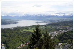 View to the south of Z?richsee (Lake Z?rich) and mountains.