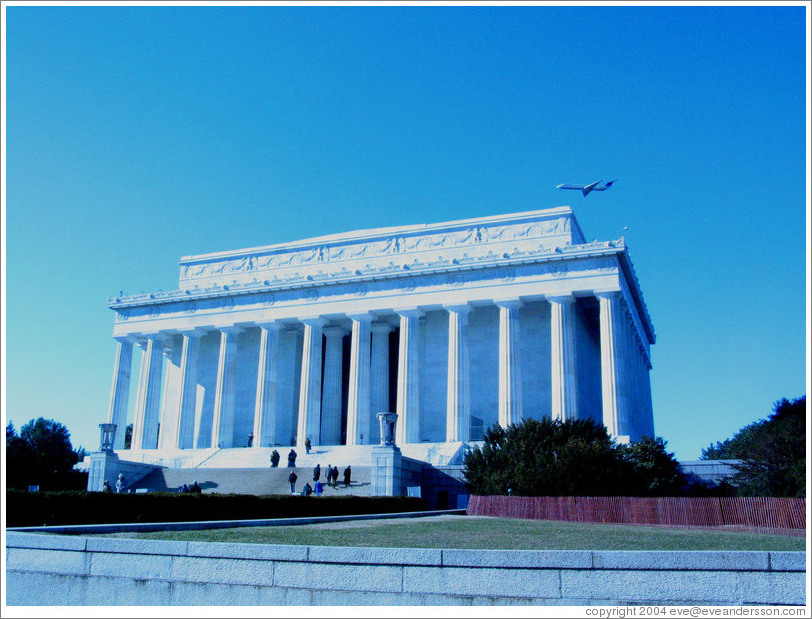 Lincoln Memorial and airplane.
