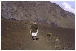 Jin unhappily walking.  Haleakala.