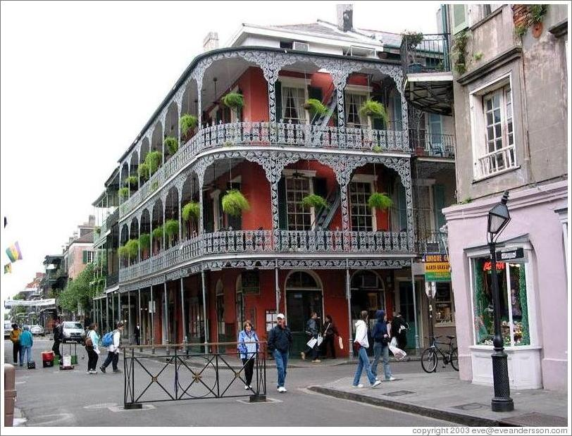 french-quarter-building-5-large.jpg