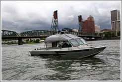 Sheriff boat in front of Hawthorne Bridge, Willamette River.